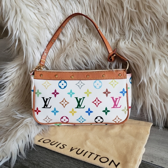 Louis Vuitton Handbags - LOUIS VUITTON - monogram pochette